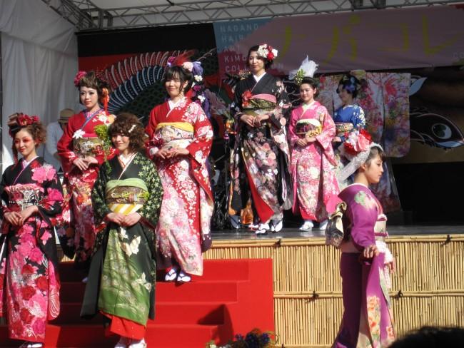 アート、音楽、日本の伝統衣装着物が一体となったパフォーマンス!
